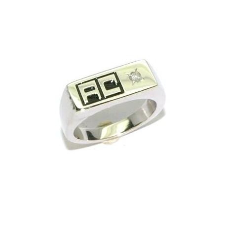 Chevalière argent avec un diamant et deux initiales